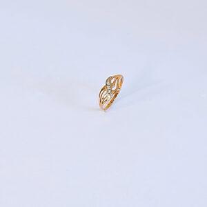טבעת זהב משובצת יהלומים דגם BR518