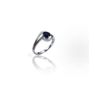 טבעת זהב עם ספיר ויהלומים דגם WBR525