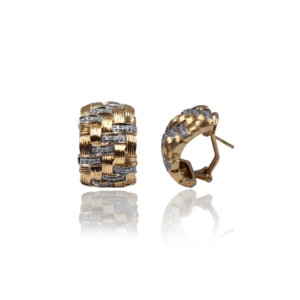 Золотые серьги с бриллиантами оригинального дизайна, модель WBE1073