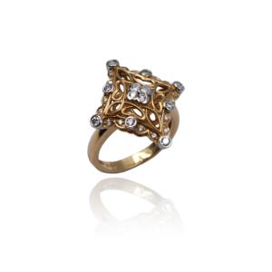 טבעת זהב עם יהלומים בעיצוב מיוחד דגם WBR1126