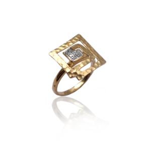טבעת זהב עם יהלומים בעיצוב מיוחד דגם WBR1128